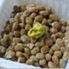 納豆にゴマ油を1滴たらすと匂いが消えるらしい