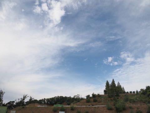 ED 12-200mm+山と雲
